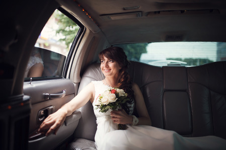 婚禮九人座包車